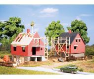 модель Auhagen 12215 Два строящихся дома. Модель подходит для масштабов H0 и TT.