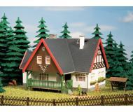модель Auhagen 12225 Дом лесничего. Модель подходит для масштабов H0 и TT.