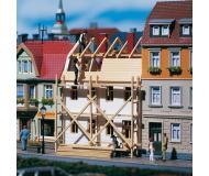 модель Auhagen 12270 Строящееся здание. Модель подходит для масштабов H0 и TT.