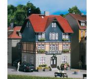 """модель Auhagen 12271 Гостиница """"Thuringer Hof"""". Модель подходит для масштабов H0 и TT."""