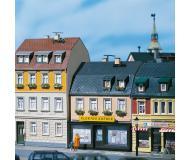 модель Auhagen 12272 Жилой дом №5/7. Модель подходит для масштабов H0 и TT.