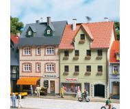 модель Auhagen 12345 Дом на улице Banhofstrasse 5/7. Модель подходит для масштабов H0 и TT.