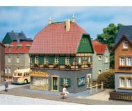 модель Auhagen 12347 Жилой дом с магазином. Модель подходит для масштабов H0 и TT.