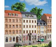 модель Auhagen 13336 Дом с магазином №2, 145x110x153 мм.