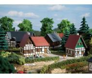 модель Auhagen 14457 Сельская гостиница Zur Schmield, 100х82х60 мм,92х59х60 мм.