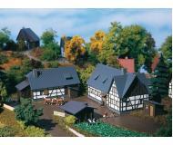 модель Auhagen 14465 Ферма. 4 строения. 100х55х60 мм, 95х50х5 мм,32х25х23 мм,24х15х20 мм.