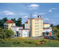 модель Auhagen 14466 Набор Клиника St. Marien: 45x45x42мм,75x45x120мм,75x45x50мм,75x45x60мм,75x45x75мм.
