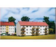 модель Auhagen 14472 Многоквартирный дом, 195x74x86 мм.