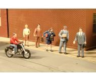 модель Bachmann 33101 Серия SceneScapes. Pedestrians. City People with Motorcycle Упаковка 7 шт
