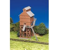 модель Bachmann 45211 Серия Plasticville. Набор для сборки (KIT) - Coaling Station. Размер 8.6 x 7.6см