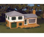 модель Bachmann 45302 Серия Plasticville. Полностью собранное здание. Split-Level House
