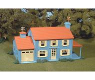 модель Bachmann 45305 Серия Plasticville. Полностью собранное здание. Two-Story House