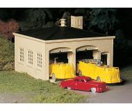 модель Bachmann 45610 Серия Plasticville. Набор для сборки (KIT) Fire House w/Pumper Truck, Ladder Truck & Fire Chief Car