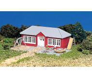 модель Bachmann 45807 Schoolhouse w/Playground Equipment - Серия Plasticville. U.S.A. Модель полностью собрана, размер 8.3 x 11.4см