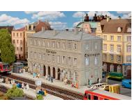 модель Faller 110124 Железнодорожная станция Ohringen. Набор для сборки (KIT), цветные пластмассовые детали,   33.5 x 11.2 x 18см.