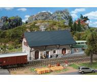 модель Faller 110126 Железнодорожная станция Guarda. Набор для сборки (KIT)  40 x 14.8 x 11.5см.