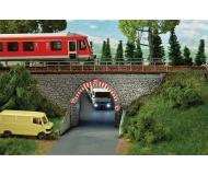 модель Faller 120498 Stone Arch Bridge, окрашены. Набор для сборки (KIT). Размер   18.5 x 6.4 x 8.5см.