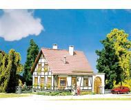 модель Faller 130215 Fachwerkhaus mit Garage