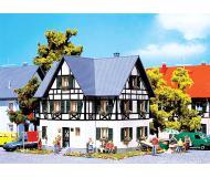 модель Faller 130259 Fachwerk-Zweifamilienhaus