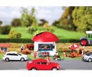 """модель Faller 130260 Strawberry Stand. Набор для сборки (KIT) -- 2 x 2 x 2-3/8""""  5 x 5 x 6см."""