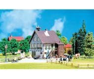 модель Faller 130280 Haus mit Storchennest