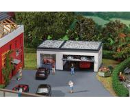 """модель Faller 130319 Double Garage w/Servo Drive. Набор для сборки (KIT) - 4-3/16 x 2-5/8 x 1-5/8""""  10.7 x 6.6 x 4.1см."""