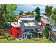 """модель Faller 130322 Architect House. Набор для сборки (KIT) - 6-1/4 x 5-3/8 x 5""""  15.8 x 13.6 x 12.6см."""