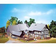 модель Faller 130370 Dreiseit Hof