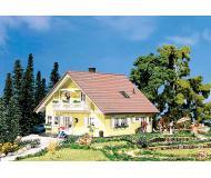 модель Faller 130397 Жилой дом для одной семьи Familia