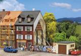 модель Faller 130416 Haus mit Graffiti (m. Ruinengrun