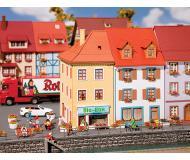 """модель Faller 130496 Two Village Houses. Набор для сборки (KIT) -- 3-5/8 x 2-5/8 x 5-1/4""""  9.1 x 6.8 x 13.4см., 11.2 x 7.5 x 14.5см."""