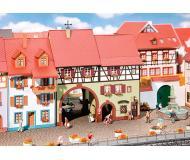 "модель Faller 130499 Niederes Tor City House. Набор для сборки (KIT) -- 6 x 3-1/2 x 6-7/8""  15 x 9 x 17.5см."