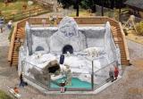модель Faller 130563 Серия зоопарк. Вольер с белыми медведями