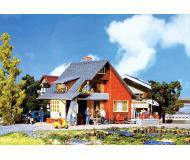 модель Faller 131225 Hobby Haus mit Balkon