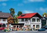 модель Faller 131273 Wohnhaus mit Ladengeschaeft