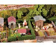 "модель Faller 180494 2 Gardens w/Small Sheds. Набор для сборки (KIT) (Plastic w/Scenery Materials) -- 4-1/8 x 2-7/8 x 1-7/16""  10.5 x 7.4 x 3.6см."
