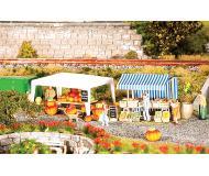 модель Faller 180613 Farmers Market Sales Tents. Набор для сборки (KIT), пластмассовые детали -- 1 Each Pumpkin & Vegetable Tents с аксессуарами