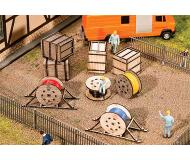 модель Faller 180617 Wood Crates & Cable Reels. Набор для сборки (KIT) (Laser-Cut Wood) -- 4 Crates, 4 Reels, 2 Reels w/Support/Transport Bracing