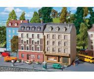 """модель Faller 232312 Two Town Houses. Набор для сборки (KIT) - Each 3-5/8 x 3-3/8 x 5-1/4""""  9.2 x 8.6 x 13.4см."""