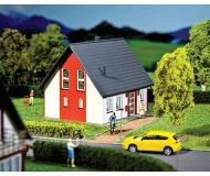 модель Faller 232320 Einfamilienhaus (rot)