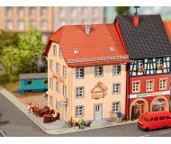 """модель Faller 232332 Old City Cafe. Набор для сборки (KIT), пластмассовые детали -- 3-1/16 x 2-11/16 x 3-5/16""""  7.8 x 6.8 x 8.5см."""