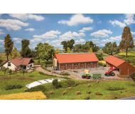 модель Faller 232367 Farmer's House, Barn & Outbuildings (Agricultural Holding). Набор для сборки (KIT)