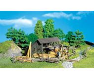 модель Faller 272530 Holzlager mit Zubehör