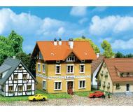 модель Faller 282776 Rathaus dörflich m. Holzverschal