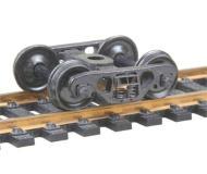 модель Kadee 518 70-тонные полностью подрессоренные металлические тележки Barber S-2 с роликовыми подшипниками. Установлены колесные пары 33 дюйма, тип RP-25, код 110 (ширина обода 2,8 мм), с гладкой внутренней стороной. 1 пара