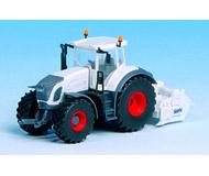 модель Kibri 12274 Трактор FENDT 936 с культиватором.