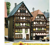 модель Kibri 36404 2 Timber Framed Houses. Размер 7.5 x 6.5 x 8 см. Набор для сборки.