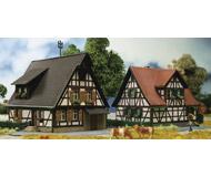 модель Kibri 36406 2 Timber Framed Houses. Размер   7.5 x 6.5 x 5.5 см. Набор для сборки.