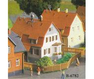 модель Kibri 36782 Settler House - 20 Years. Размер 5.2 x 5.5cm 4.5 x 4.5 см. Набор для сборки.