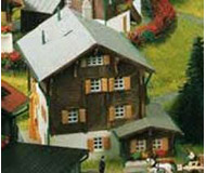 модель Kibri 36811 Farmhouse in Elm -- 7.5 x 6 x 6 см. Набор для сборки.